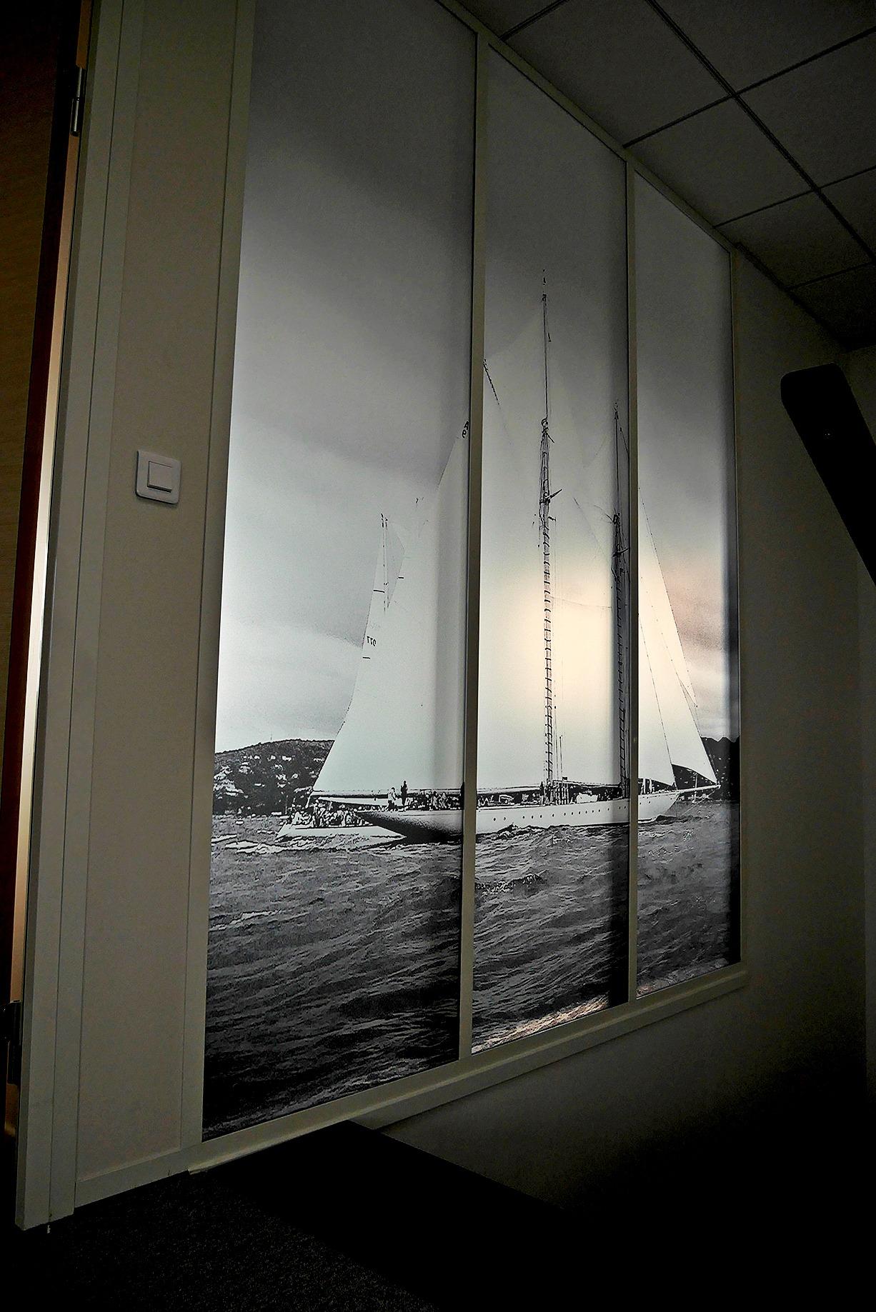 vitrophanie-bateau-transparent-depoli